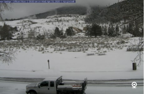 Mammoth-Hot-Springs-Webcam